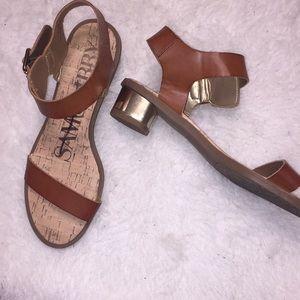 a7937a1461a1 Sam   Libby sandals 💕